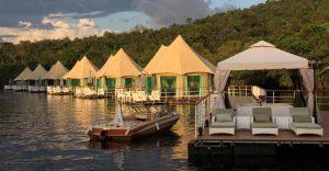 سفر با هتل های شناور در آب